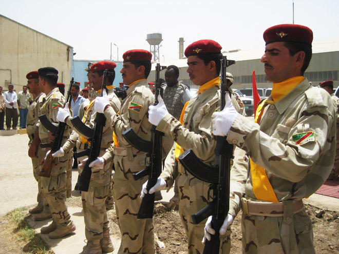 Iraqi army starts to 'act like one': U.S.