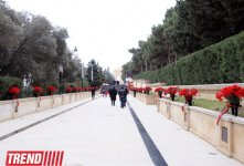 Azerbaijani public honors January 20 tragedy victims' blessed memory (PHOTO) - Gallery Thumbnail