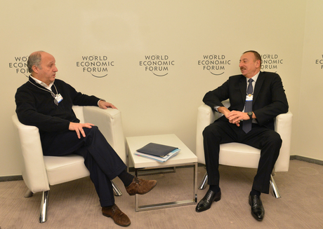 Azerbaijani President meets French FM in Davos