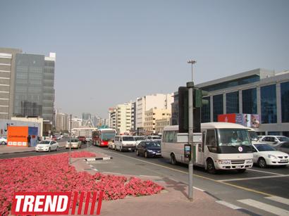 Dubayda yol hərəkəti qaydalarını pozanlara qarşı cərimələr 8 min dolları ötəcək