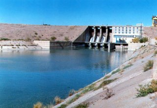 Iran's dam construction, water sectors grow
