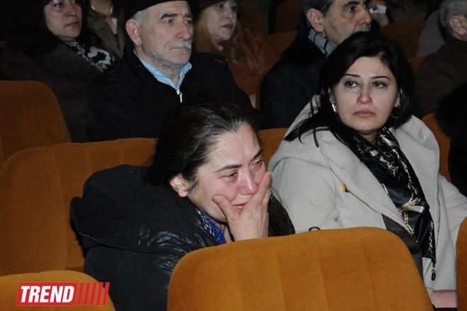 Xalq artisti Firəngiz Şərifova son mənzilə alqışlarla yola salındı (FOTO) - Gallery Image
