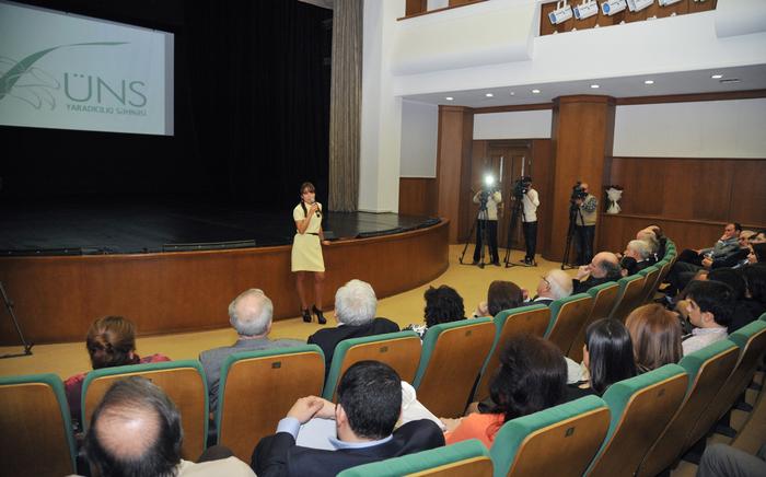 На Творческой сцене «ÜNS» состоялась презентация фильма, повествующего о необычном творческом мире талантливого художника Марьям Алекберли (ФОТО) - Gallery Image