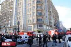 Large shopping center building bursts into flame in Baku (UPDATE-3) (PHOTO-VIDEO) - Gallery Thumbnail
