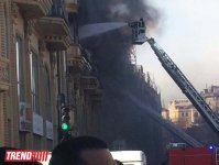 Building above Sahil subway station bursts into flame in Baku (UPDATE) (PHOTO) - Gallery Thumbnail