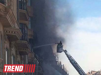 Building above Sahil subway station bursts into flame in Baku (UPDATE) (PHOTO)