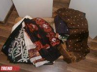 """Реконструированная азербайджанская национальная одежда XIX века - выставка """"Коллажи"""" (ФОТО) - Gallery Thumbnail"""