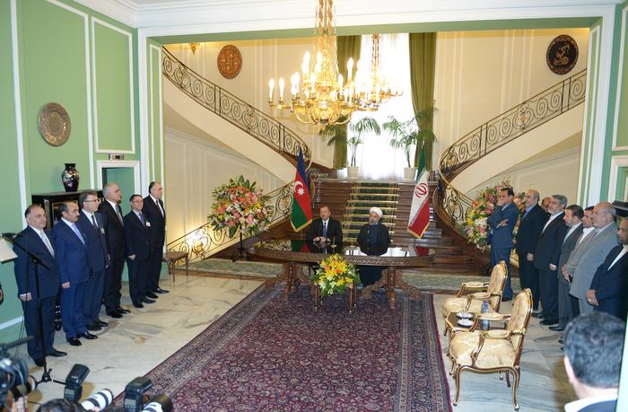 Президент Ильхам Алиев: Имеются прекрасные возможности для успешного развития связей между Азербайджаном и Ираном во всех сферах (ФОТО) - Gallery Image
