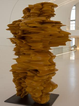 Первая леди Азербайджана приняла участие в церемонии открытия выставки всемирно известного скульптора Тони Крэгга (ФОТО) - Gallery Image