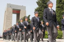 Azərbaycanın müdafiə naziri Çanaqqala döyüşünün 99-cu ildönümü münasibətilə keçirilən tədbirlərdə iştirak edir (FOTO) - Gallery Thumbnail