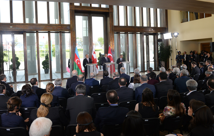 Ilham Aliyev: Azerbaijan-Georgia-Turkey trilateral format unique (PHOTO) - Gallery Image