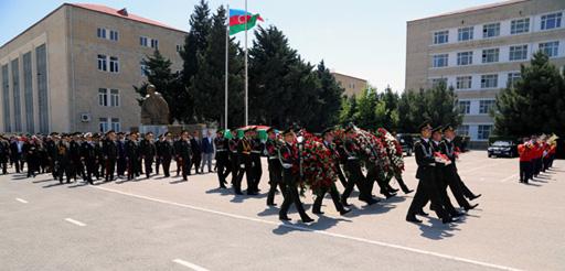 General-mayor Dağlar Abdullayev son mənzilə yola salınıb (FOTO) - Gallery Image