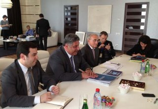 Azerbaijan, France discuss youth and sports cooperation (PHOTO)
