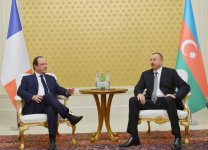 Azerbaijani, French presidents have one-on-one meeting (PHOTO) - Gallery Thumbnail