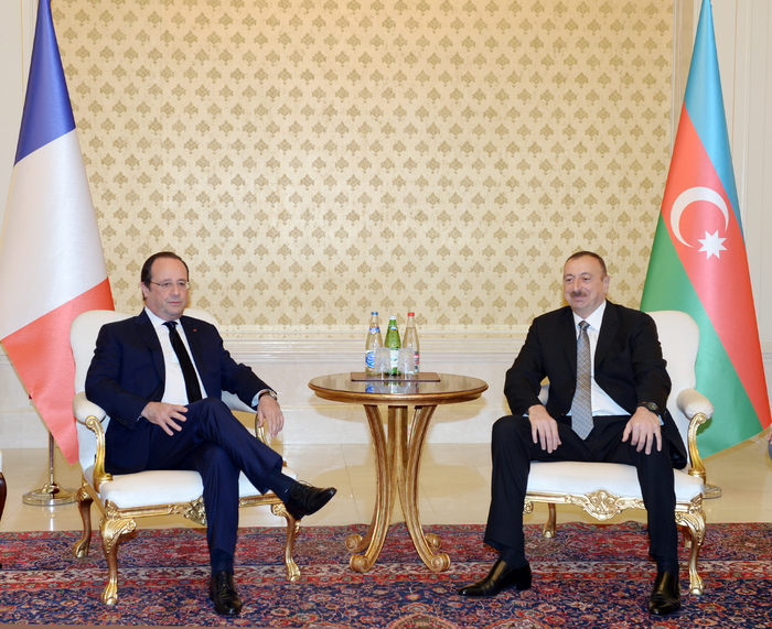 Azerbaijani, French presidents have one-on-one meeting (PHOTO) - Gallery Image