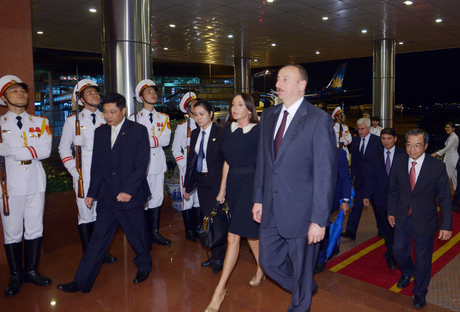 President Ilham Aliyev arrived in Vietnam on a state visit (PHOTO) - Gallery Image