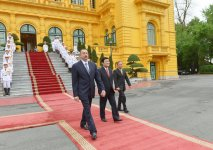 Vietnam hosts official welcoming ceremony for Azerbaijani President Ilham Aliyev (PHOTO) - Gallery Thumbnail