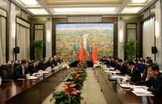 Azerbaijani president meets with Chinese counterpart (PHOTO) - Gallery Thumbnail