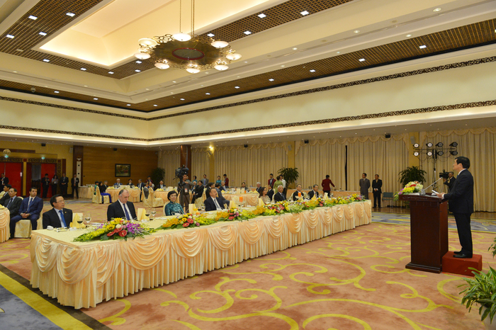 Vyetnamda Prezident İlham Əliyevin və xanımının şərəfinə dövlət ziyafəti verilib (FOTO) - Gallery Image