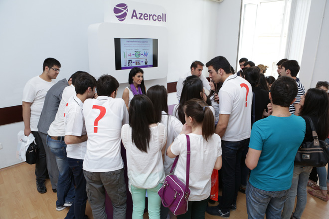 Azercell joins another labor fair (PHOTO)