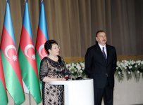 Azerbaijani president and his spouse attend official reception on occasion of Republic Day - Gallery Thumbnail