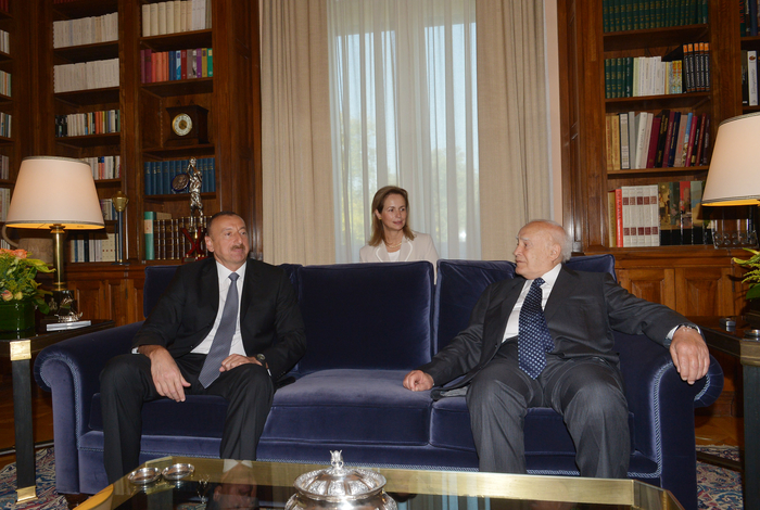 President Ilham Aliyev held a one-on-one meeting with President of Greece Karolos Papoulias