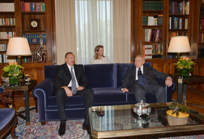 President Ilham Aliyev held a one-on-one meeting with President of Greece Karolos Papoulias - Gallery Image