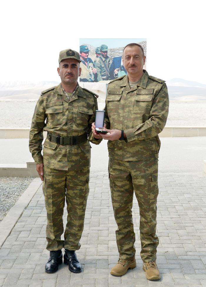 Президент Ильхам Алиев наблюдал за оперативно-тактическими учениями по случаю 96-й годовщины создания ВС Азербайджана (ФОТО) - Gallery Image