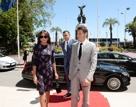 Azerbaijan's first lady meets with Cannes mayor (PHOTO)