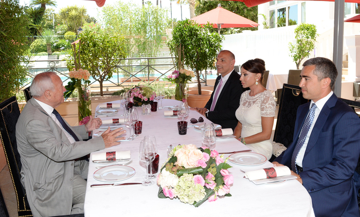 Azerbaijan's first lady meets former mayor of France's Cannes city (PHOTO) - Gallery Image