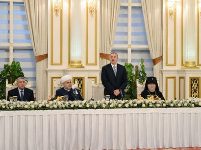 President Ilham Aliyev attended the Iftar ceremony on the occasion of the holy month of Ramadan (PHOTO)