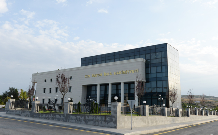 Azerbaijani president reviews new office building of Khizi District executive authority - Gallery Image