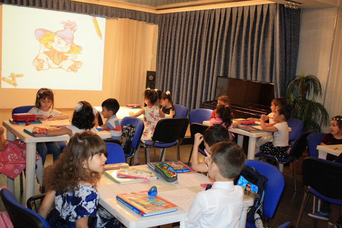 Российский центр в Баку готовится к началу нового учебного года (ФОТО) - Gallery Image