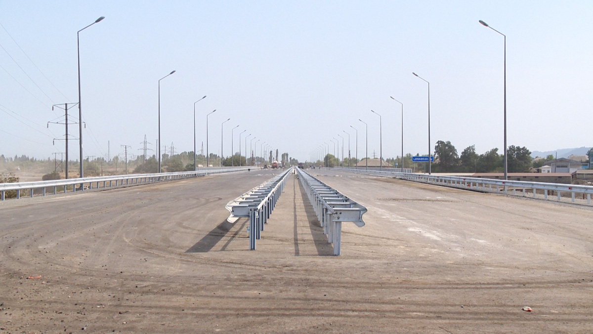 Bridge construction in Azerbaijan's southern region to be completed soon