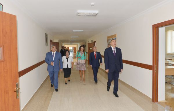 Azerbaijani president, his spouse attend opening of new building of school in Baku - Gallery Image