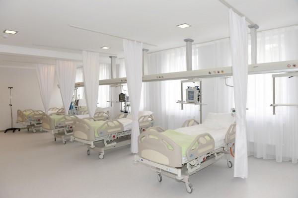 Ilham Aliyev observes Ismayıllı District Central Hospital after overhaul (PHOTO) - Gallery Image