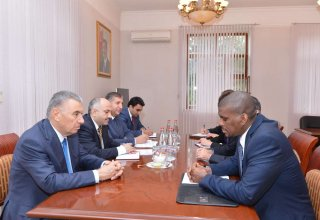 Baku hosts discussions on refugees' social problems