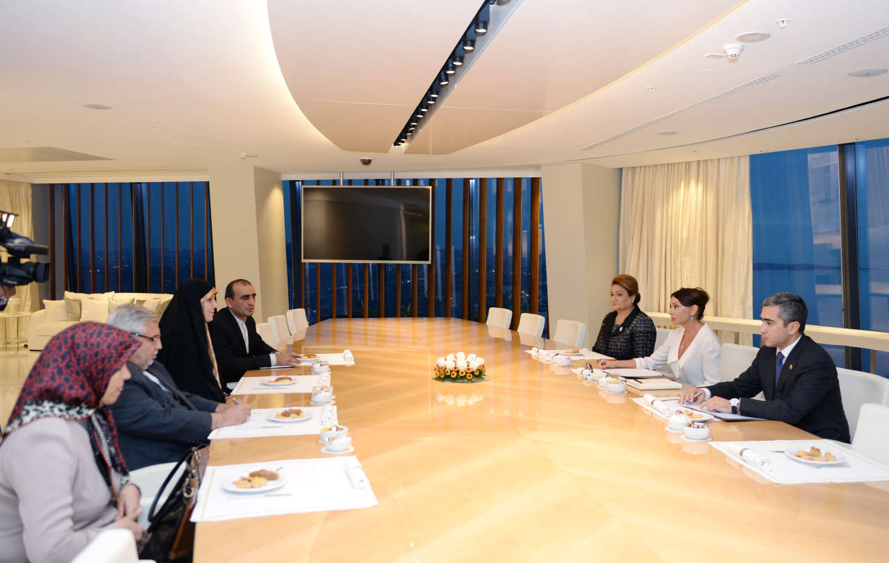 Azerbaijan`s first lady meets Iranian Vice-President for Women and Family Affairs (PHOTO)