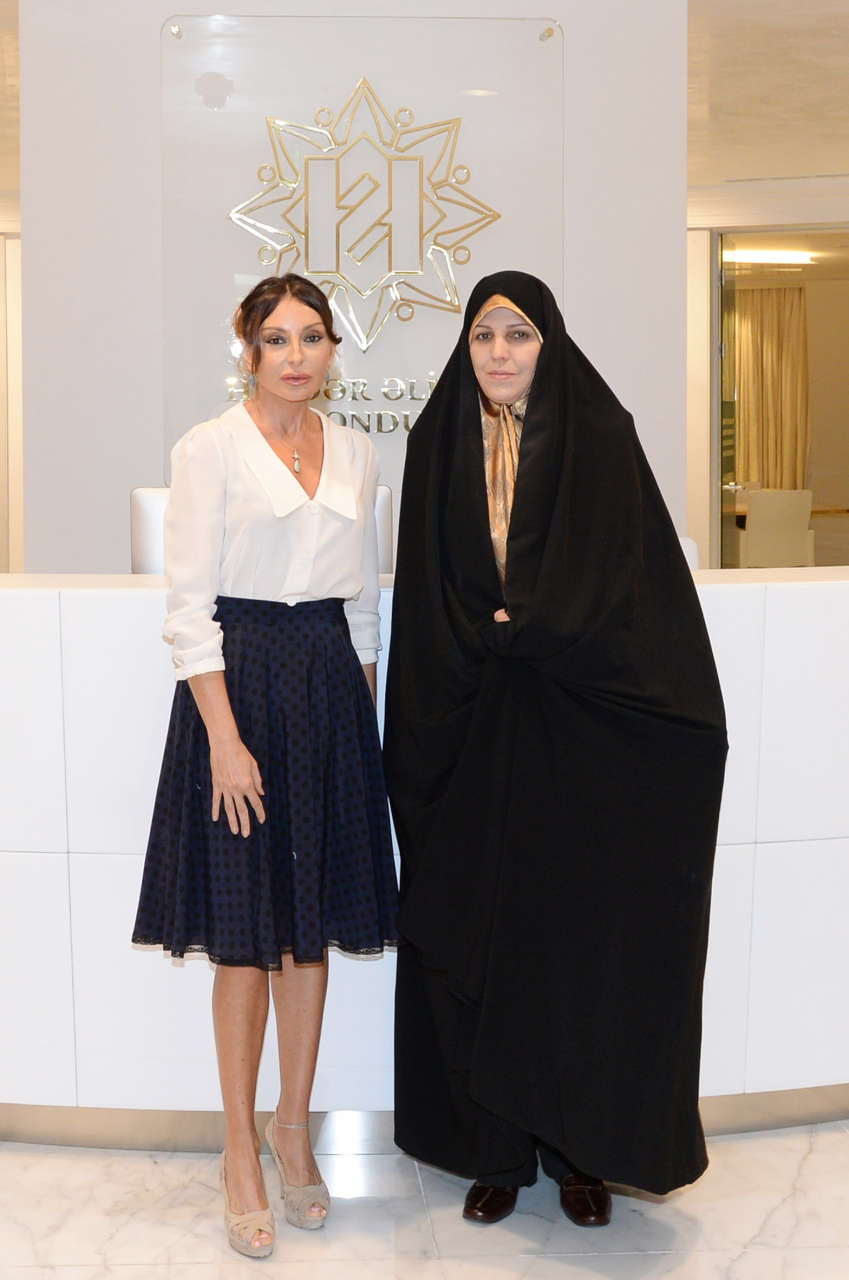 Azerbaijan`s first lady meets Iranian Vice-President for Women and Family Affairs (PHOTO) - Gallery Image
