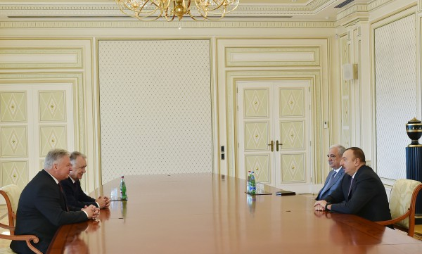 Ilham Aliyev meets president and Secretary General of General Confederation of Trade Union