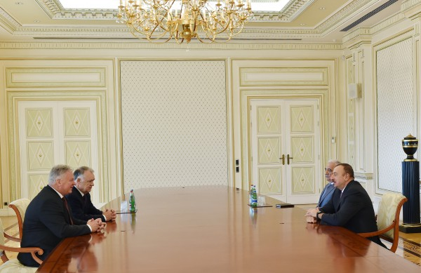 Ilham Aliyev meets president and Secretary General of General Confederation of Trade Union - Gallery Image