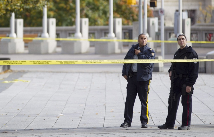 Canadian police cannot confirm fire at Memorial, Parliament in Ottawa opened by same person