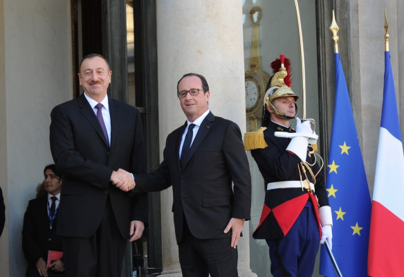 Azerbaijani, French presidents stress need to change status quo in Karabakh conflict - Gallery Image