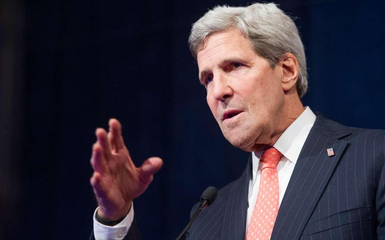 Kerry says sees opportunity for progress on Syria as he meets Zarif