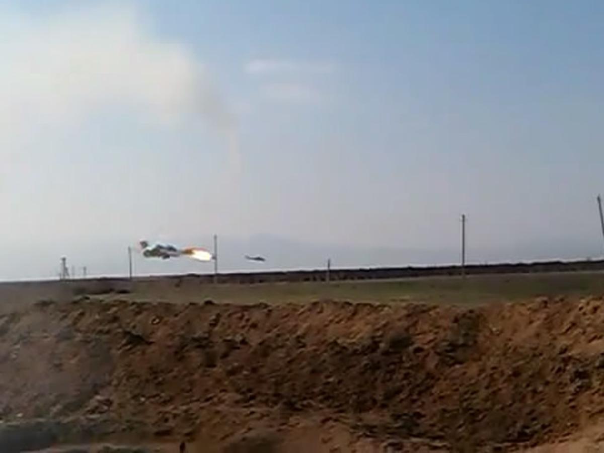 Ermənistan Hərbi Hava Qüvvələrinə məxsus Mi-24 tipli helikopter məhv edilərkən (FOTO) - Gallery Image