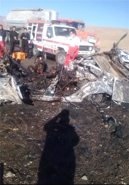 Five people burn alive in car accident in Iran - Gallery Image