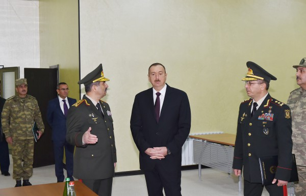 President Ilham Aliyev attended the opening of a new building of the headquarters in the military town of Shamkir military formation (PHOTO) - Gallery Image