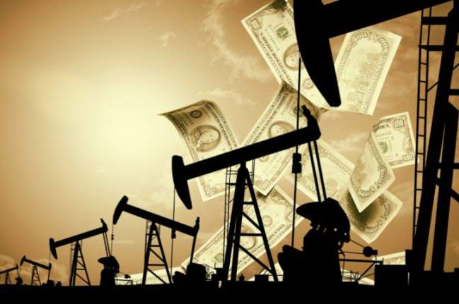 Oil prices decline on rising dollar