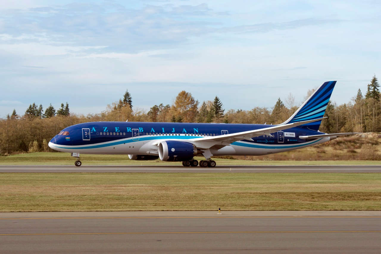 First Boeing 787 Dreamliner delivered to Azerbaijan Airlines