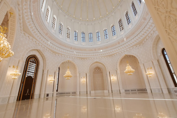 Azerbaijani president and his spouse review final stage of construction of Heydar Mosque - Gallery Image